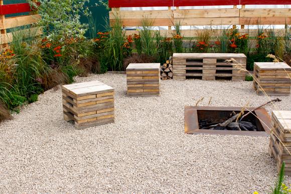 Kerti b torok t gl b l k b l p tett b torok for Garden sit out designs